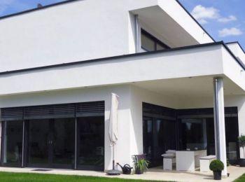 massivhaus im bauhausstil mit top architektur. Black Bedroom Furniture Sets. Home Design Ideas