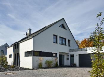 Doppelgarage satteldach modern  Modern puristisch - Jedes ein Unikat - Stein auf Stein | hausbaumax.de