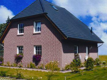 klassisches niedrigenergiehaus mit kr ppelwalm. Black Bedroom Furniture Sets. Home Design Ideas